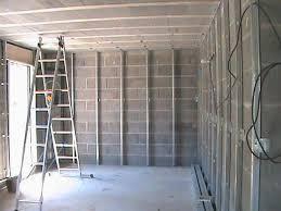 pose rail placo plafond pose des rails pour l isolation le plafond et les cloisons le