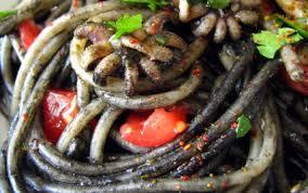 cuisiner seche recette spaghettis à l encre de seiche seiches et épices 750g