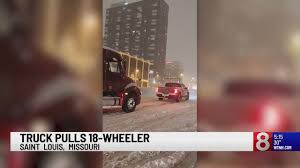 100 Truck Pulls In Missouri Pickup Truck Pulls 18wheeler Out Of Snow