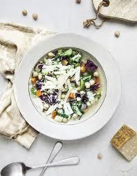cuisiner les l馮umes autrement minestrone aux légumes d hiver pour 4 personnes recettes à