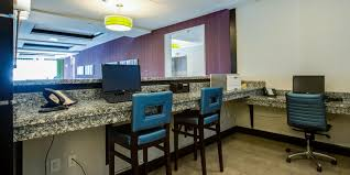 Atlantic Bedding And Furniture Charleston Sc by Holiday Inn Express U0026 Suites Charleston Arpt Conv Ctr Area Hotel