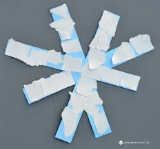 This Paper Snowflake Craft Is An Easy Winter For Toddlers Preschoolers And Kindergartners