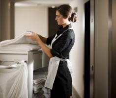 emploi femme de chambre à métier d entretien travail de nettoyage industriel les
