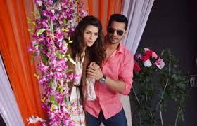 Kriti Sanon and Varun Dhawan help Dharam romance Meera in Saath