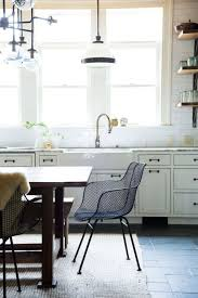 Literally Tore Down Walls The Latest Trend Takes Things One Step Further Bringing Elements Of Living And Dining Rooms Right Into Kitchen