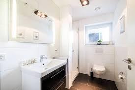 badezimmer eigenheim fotos imago
