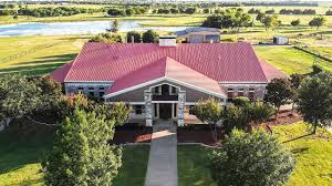 100 10000 Sq Ft House SQUARE FOOT TEXAS BARNDOMINIUM TOUR