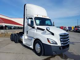 Day Cab Archives - Fargo Freightliner