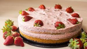 schnelle erdbeer sahnetorte rezept any blum serie 82