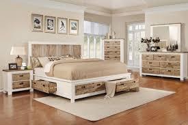 Western 5 Piece Queen Bedroom Set with 32