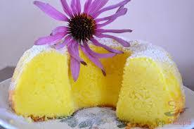 geschmeidiger quarkgugelhupf mit pudding