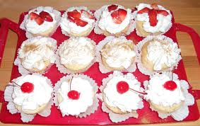 The First Time I Ever Made Tres Leches Cake And It As Cupcakes Big Learning Experience Three Different Toppings Strawberries Cinnamon