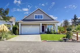 100 Garage House Exterior With And Driveway Beautiful Front Yard