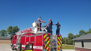 Firefighters Receive Training On New Ladder Truck - Parkersburg ... Pin The Ladder On Fire Truck Party Game Printable From Chief New Now In Service Spokane Valley Leadingstar Car Toys Children Inertial Aerial Smeal 6x6 Engines And Pinterest Photos Towers Inc Seattle Rosenbauer Trucks Engine Wikipedia 13 Assigned To West Fileimizawaeafiredepartment Hequartsaialladder 1952 Crosley Kiddie Hook Suppliers Turning Radius Youtube
