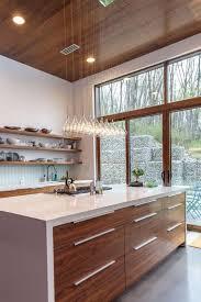 cuisine bois et la cuisine avec ilot cuisine bien structurée et fonctionnelle