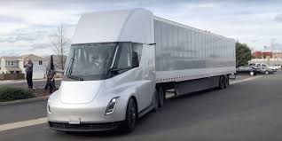 Tesla Semi Production Version Will Have Closer To 600 Miles Of Range ...