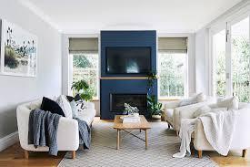 helles wohnzimmer mit polstergarnitur bild kaufen