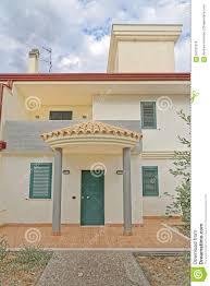 100 Modern Italian Villa Villa Stock Photo Image Of Cloud Apartment 64181818