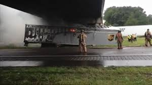 100 Ups Truck Accident UPS Big Rig Driver Escapes Fiery Crash On Interstate 95 Near