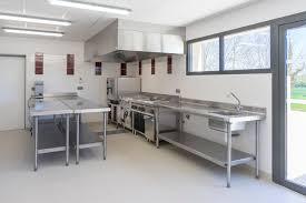 cuisine professionnelle salle avec cuisine professionnelle domaine de l abadaire