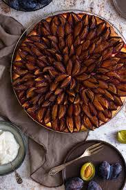 einfacher zwetschgenkuchen mit hefeteig la crema