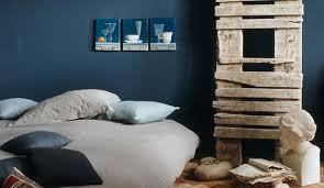 chambre deco bleu une chambre couleur bleu la tête dans les nuages côté maison