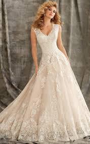 beautiful vintage lace princess wedding dress hsnci0002