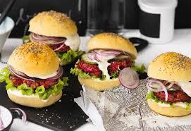burger mit rote rüben laibchen