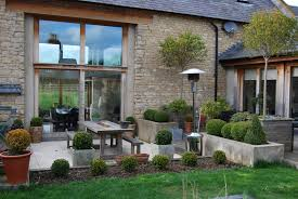 Aménagement Jardin Et Terrasse Près D'une Grande Modernisée (Barn ... Modern Converted Barn Lovely Living Areas Pinterest The Residential Cversion Of Two Barns In Rural Buckinghamshire 15 Home Ideas For Restoration And New Cstruction Beam Best 25 Interiors Ideas On Cversions Northern Irelandpps21 Building Warranties Latent Defect Insurance Timber Framed Kitchen Part A Large Oak Barn By Carpenter Oak Thking Outside The Box Australia Photo Agricultural Cversion Tinderbooztcom Old Cottage Cversions Google Search Cottage Irish Houses