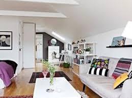 aménager de petits espaces relooker le dessous de vos escaliers avec style hello brico