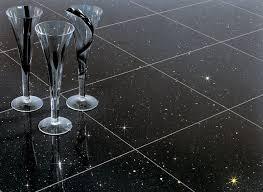 galaxy ist ein fein bis mittelkörniges schwarzes