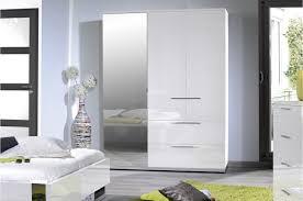 armoire chambre armoire de chambre laqué blanc trendymobilier com