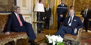 bureau de clerc le général de gaulle et françois hollande dans le bureau de laurent