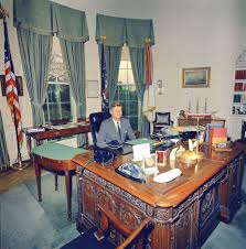 Resolute Desk Replica Plans by Of Oval Office Desk