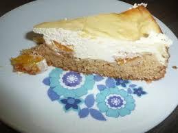 8 aprikosen kuchen mit körniger frischkäse und pudding