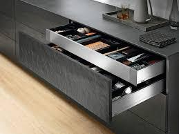 küche richtig einräumen geheimtipps für mehr platz