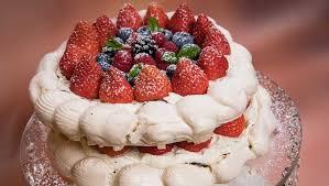 baiser torte mit minz mascarpone