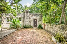 Coconut Grove Pumpkin Patch by Miami U0027peacock House U0027 In Coconut Grove Sells For 850k Curbed Miami