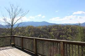 One Bedroom Cabins In Gatlinburg Tn by A Honey Of A View A 5 Bedroom Cabin In Gatlinburg Tennessee