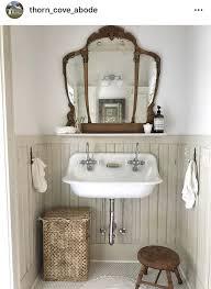 rustikales und antikes badezimmer badezimmer