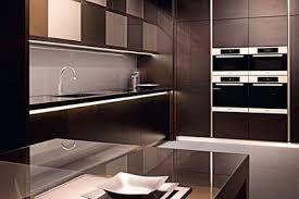cuisine en verre revêtements muraux crédence plan de travail électroménager le