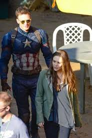 Photo Gallery Captain America Civil War Chris Evans And Elizabeth Olsen