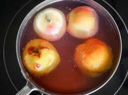 cuisine pocher pocher des fruits au sirop pêches pochées au sirop léger
