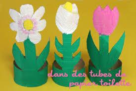 des fleurs dans des de papier toilette cabane à idées