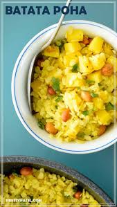 Flattened Rice With Potato And Peanuts