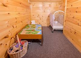 4 Bedroom Cabins In Pigeon Forge by Pigeon Forge Cabins Paul Bunyan U0026 039 S Treehouse