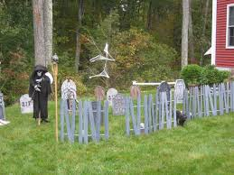 Halloween Graveyard Fence by Smarthome Forum My Insteon Controlled Halloween Graveyard 2008