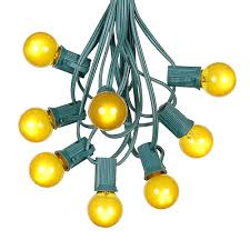 100 yellow g30 globe outdoor string light set on green wire