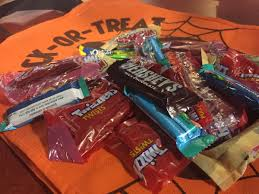 Poisoned Halloween Candy 2014 by Beware The Pets When Handling The Halloween Candy Haul Krqe News 13
