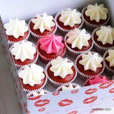 valentinstag mini velvet cupcakes mit roter beete bake